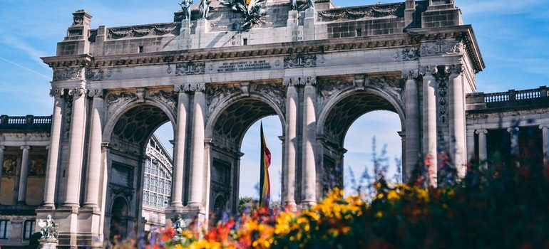 Moving from USA to Belgium: Arc de Trioumphe in Brussels.