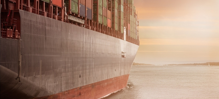A cargo ship carrying containers