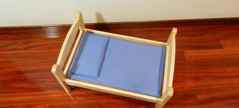 A small bed