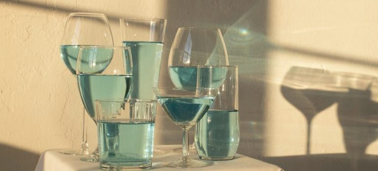 glasses filled with blue liquid