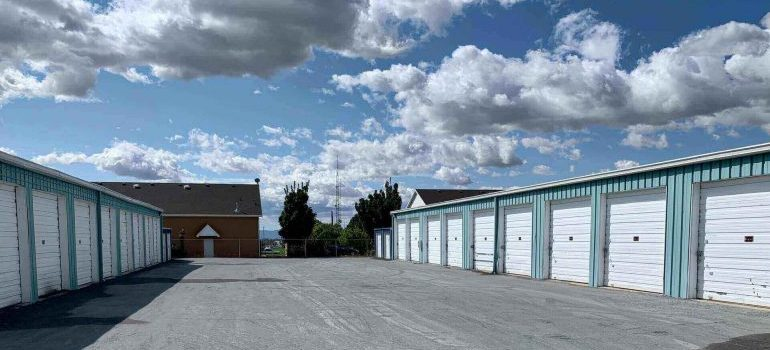 Storage units - an example of specialty moving services
