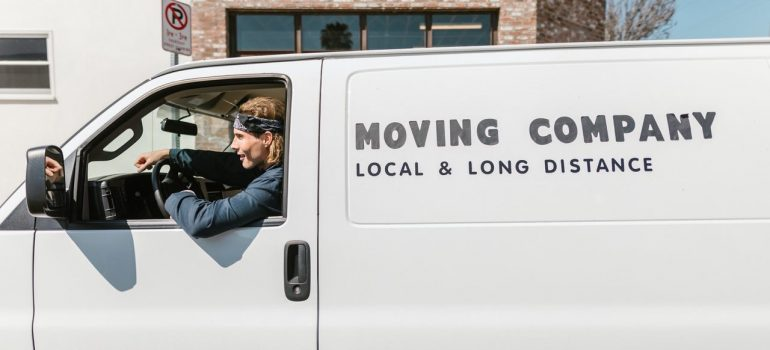 hiring movers to pack and move expensive rugs from NYC to Europe