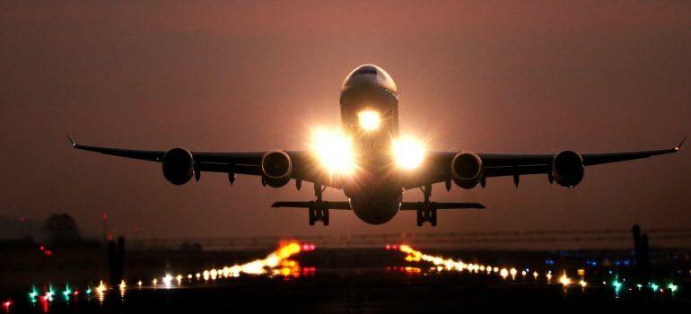 airplane taking of