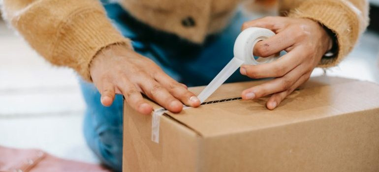 Packing your items for a storage unit is easier with boxes