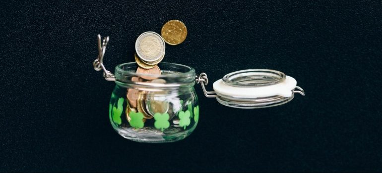 coins falling out o the jar